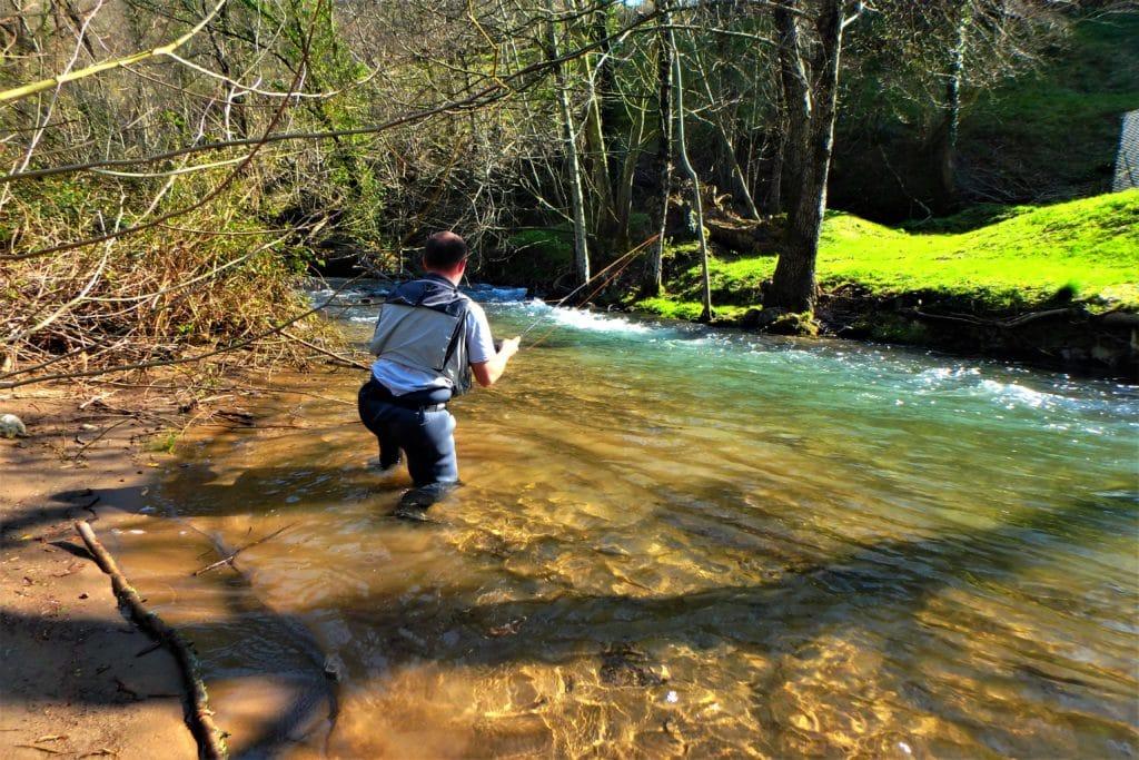 geste pêche a la mouche